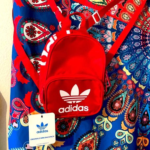 ADIDAS Red/White Mini Backpack 🎒 New!!!!! ✔️😍